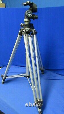 Bogen Manfrotto 410 Tripod Head with 3046 Aluminum Legs, Spreader