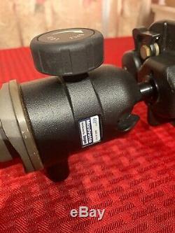 Manfrotto Carbon Fiber Monopod 694 Mag fiber with 488 RC0 Head 67 Bogen